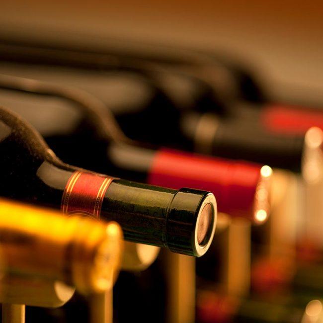 photodune-2717933-wine-bottles-l